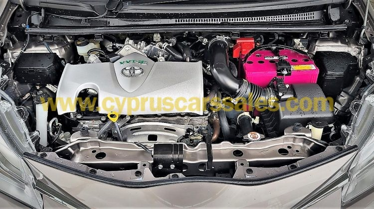 TOYOTA VITZ 1.3L auto petrol