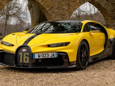 Bugatti Chiron Sport, Pur Sport are all eye candy in Paris photo shoot