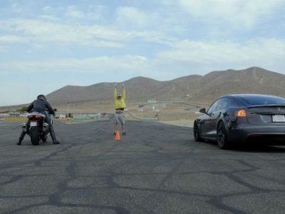 Tesla Model S Plaid Drag Race Vs Suzuki Hayabusa, Kawasaki ZX-14R